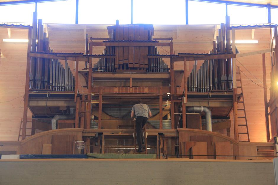 Mit 46 Registern und 3524 Pfeifen handelt es sich um die drittgrößte Konzertorgel Österreichs.