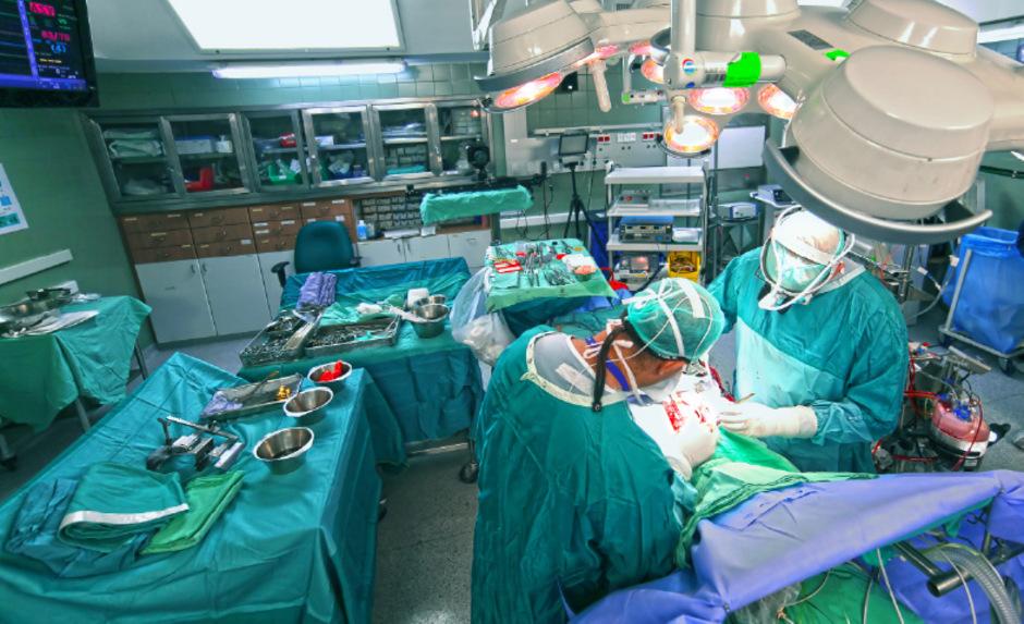 Für eine Operation bekommen Spitäler unterschiedlich viele Punkte und damit Geld. Das ärgert Wirtschaftskammer und Privatspitäler.
