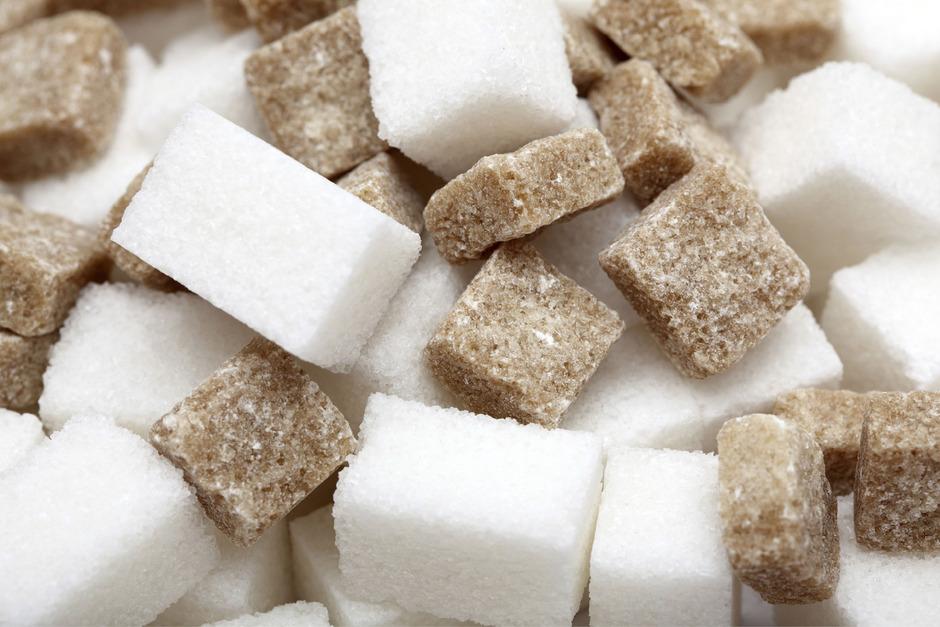 Immer mehr Lebensmittelproduzenten versuchen Zucker zu reduzieren.