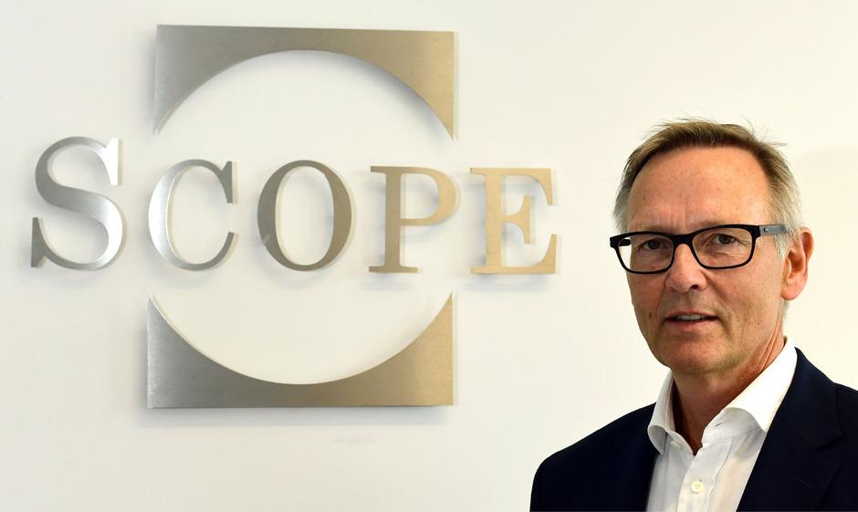 Torsten Hinrichs: Seine kleine Agentur Scope Ratings will die ganz Großen der Branche das Fürchten lehren.
