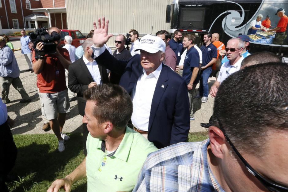 Donald Trump badete in der Menge
