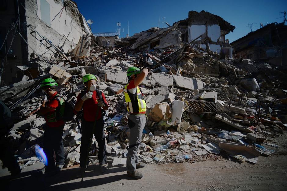 Das schwere Erdbeben in Mittelitalien hat den Ort Amatrice fast vollständig zerstört.