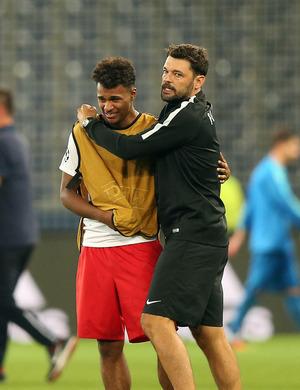 Torschütze Valentino Lazaro weinte bittere Tränen.