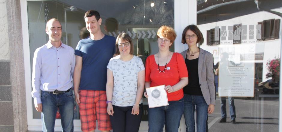 Sichtlich stolz auf die Ausstellung: Markus Heigenhauser (GF Verein Impulse), Markus Antretter, Barbara Schaffenrath, Andrea Mairhofer und Andrea Tasnadi, Leiterin des Kunsttreffs in Kematen (v.l.).