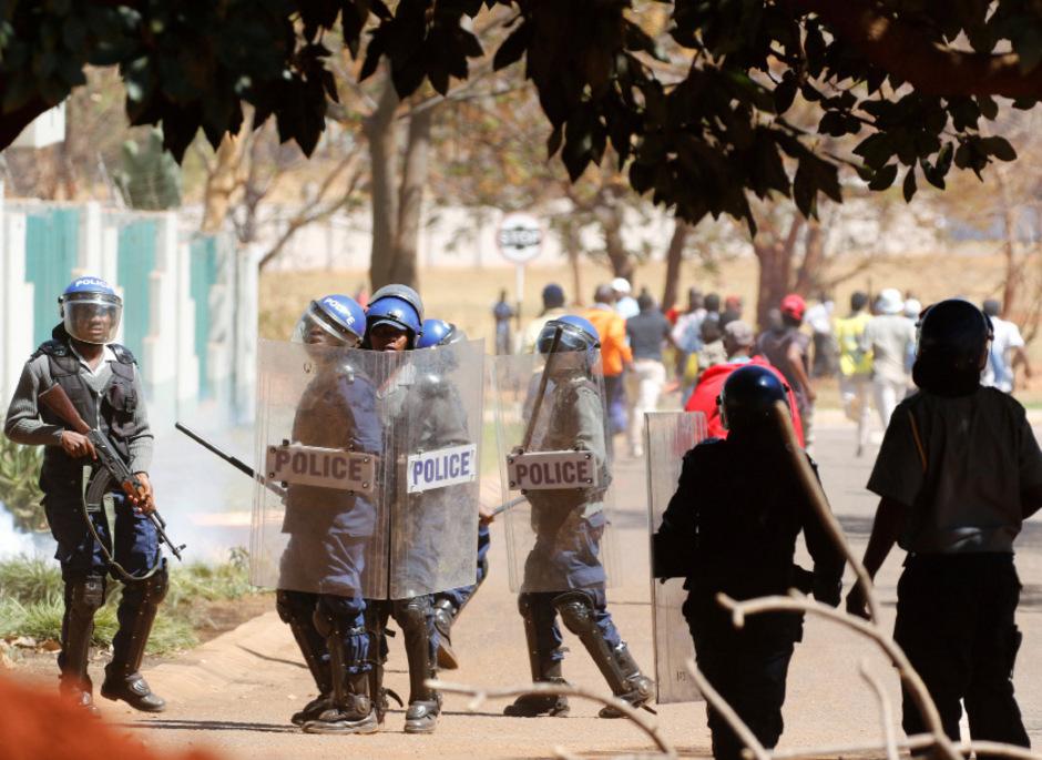 Die Proteste in Harare weiten sich aus.