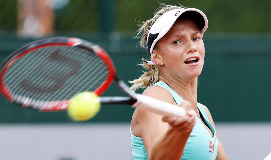 Barbara Haas schlägt bei den US Open im Hauptbewerb auf.