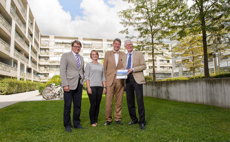 Die NHT-Chefs Hannes Gschwentner (l.) und Klaus Lugger (r.) mit Studienautorin Julia Reisinger und TU-Prof. Christoph Achammer.