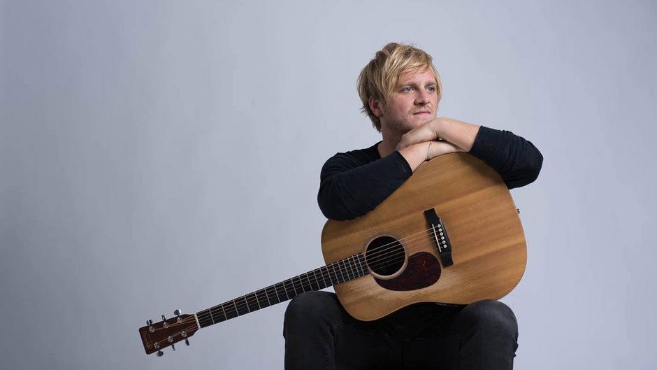 Norman Stolz will mit seiner EP neue Wege beschreiten - und sich musikalisch von seinem großen Hit abheben.