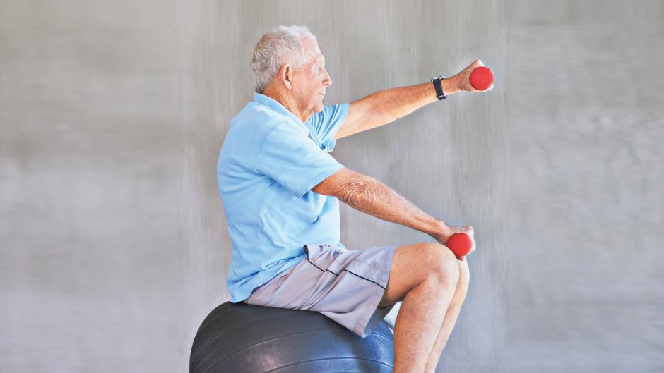 Bewegung und Ernährung können viel dazu beitragen, den Alterungsprozess hinauszuzögern.