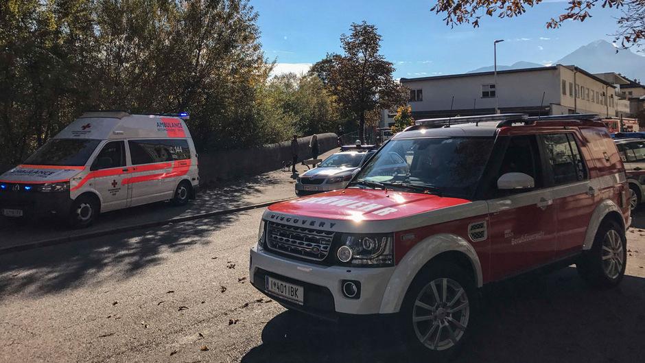 Der Passant fand die Leiche am nördlichen Sillufer, nahe der Matthias-Schmid-Straße.