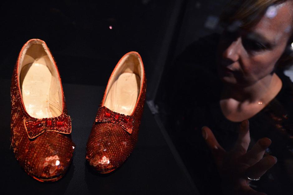 """Diese roten Schuhe, die Judy Garland im Filmklassiker """"Der Zauberer von Oz"""" trug."""