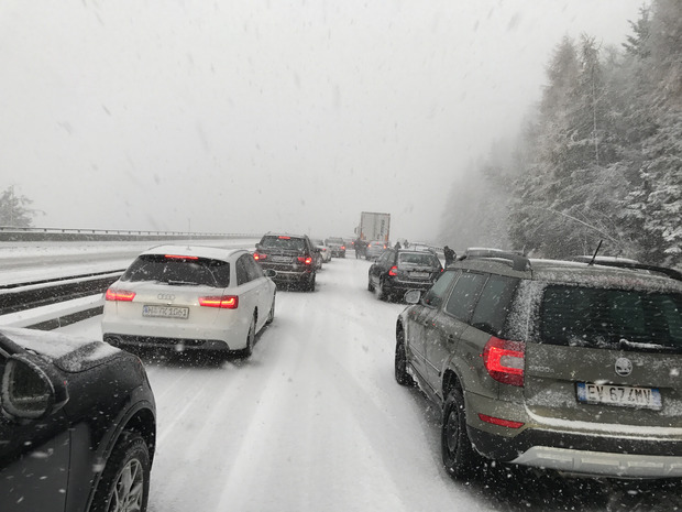 Schneechaos auf der Brennerautobahn.