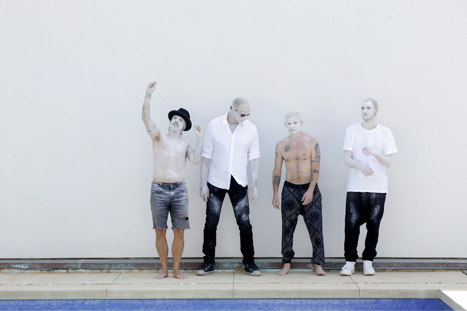 Die Red Hot Chili Peppers.