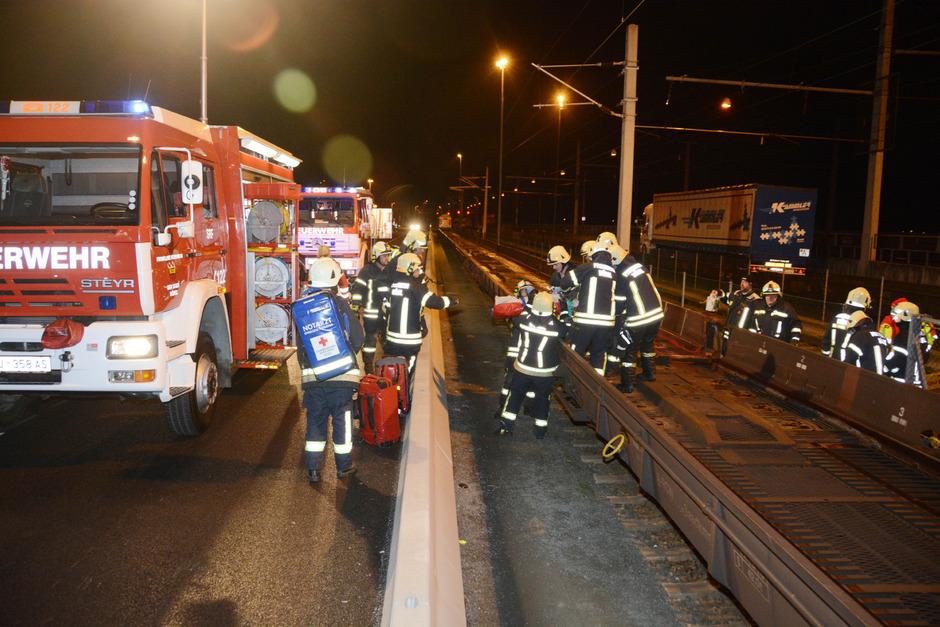 Zwei Menschen wurden getötet, einer schwerst verletzt.