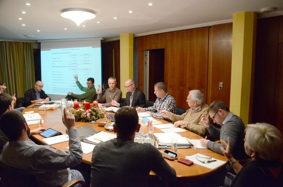 Der Mieminger Gemeinderat verabschiedete das Budget für 2017 einstimmig. Insgesamt geht es um fast zehn Millionen Euro.