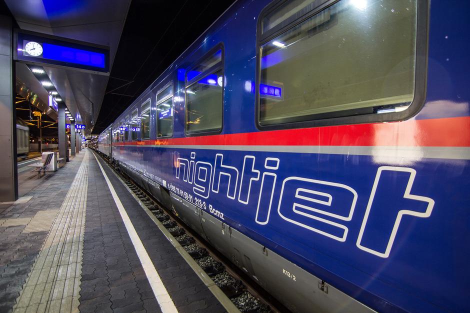 ÖBB übernehmen fast die Hälfte des Nachtzuggeschäfts der Deutschen Bahn und bieten ab dem Winterfahrplan (ab 11. Dezember) sechs neue Nachtverbindungen in Deutschland an.
