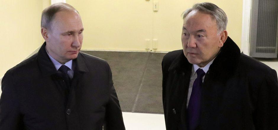 Russlands Präsident Wladimir Putin und Kasachstans Staatschef Nursultan Nasarbajew bei einem Treffen am Montag.