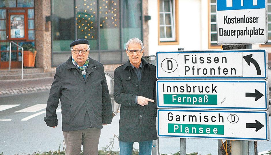Neue Politachse Biberwier–Reutte: BM Mascher (l.) und BM Oberer vereint in ihrer Ablehnung gegen den Fernpass-Scheiteltunnel.