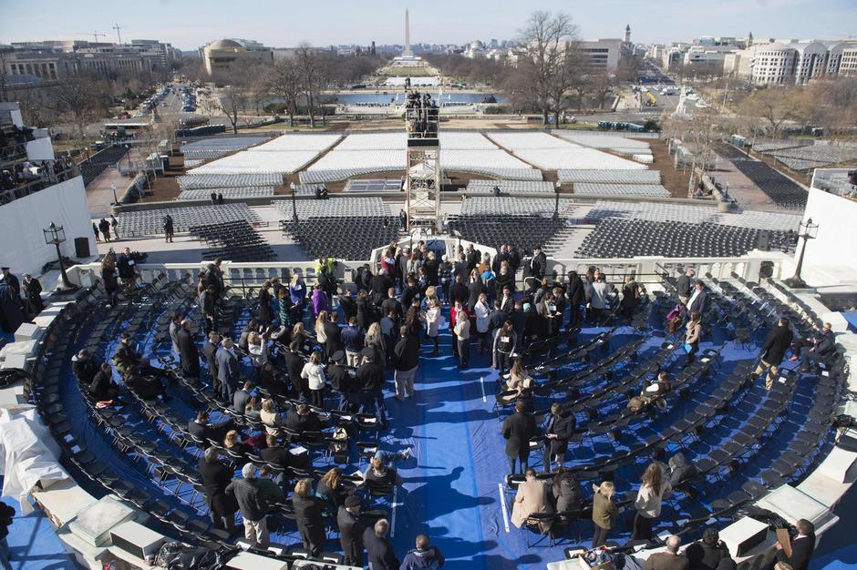 Am Capitol in Washington wurde am Sonntag für die Vereidigungszeremonie geprobt. Bislang haben keine großen Stars zugesagt, am Freitag dabei aufzutreten.