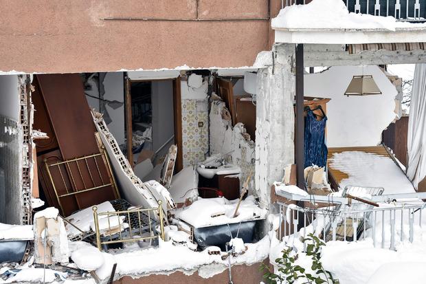 Vier heftige Erdstöße zerstörten weitere Gebäude in Amatrice.