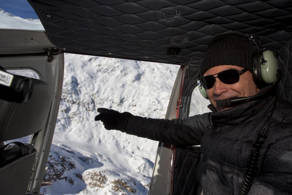 Bertrand Piccard am Sonntag im Ötztal, wo er auf die Stelle zeigte, an der einst sein Großvater landete.