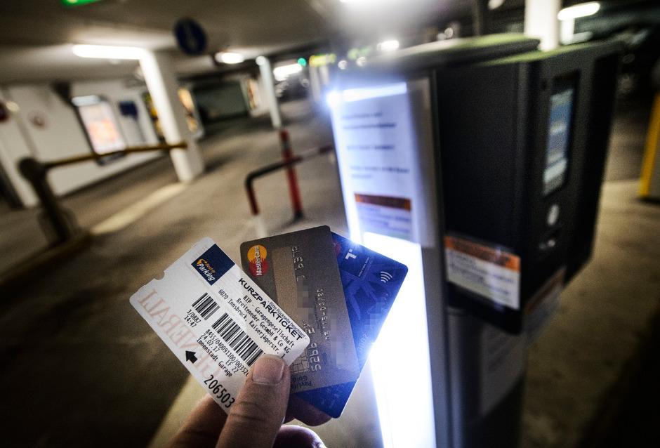 In der Innsbrucker Sowi-Garage funktioniert die Kreditkarte bei der Einfahrt nicht mehr. Die anderen Garagen folgen.