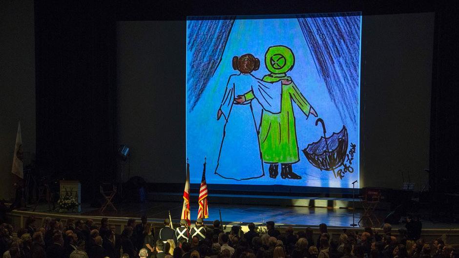 Die Gedenkfeier für Debbie Reaynolds und ihre Tochter Carrie Fisher wurde im Internet übertragen.