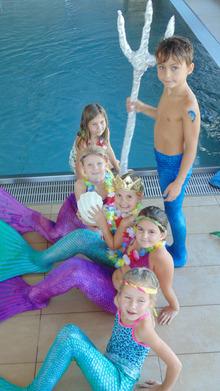 "Zwerglparadies NiMa's organisiert in ganz Tirol Motto-Feten wie z.B. die Mermaid-Party im Schwimmbad. <a target=""_blank"" href=""http://www.nimas.at"">www.nimas.at</a>"