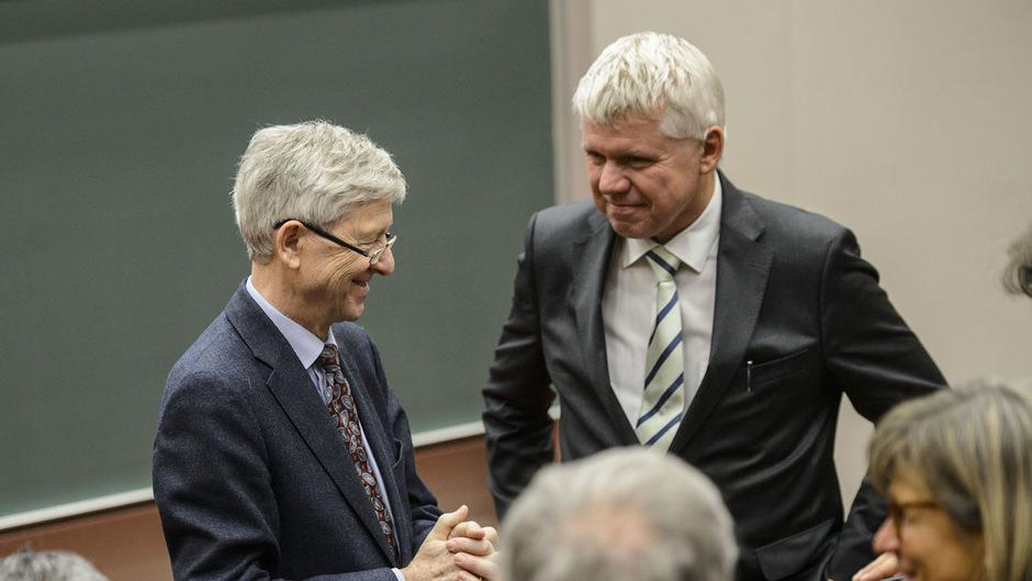 """Die Vorschläge der Findungskommission mit Reinhard Putz (l.) und Gert Mayer wurden geändert. Putz verteidigt jedoch die """"sinnvollen Lösungen""""."""