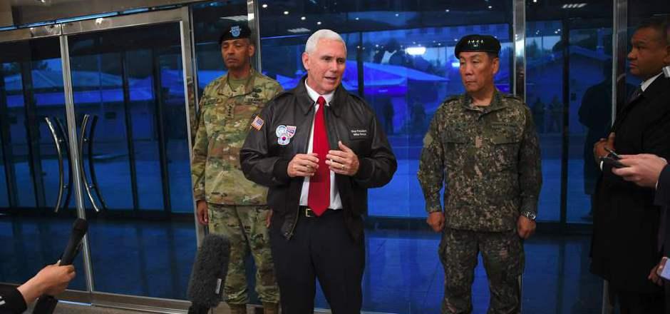 Mike Pence am Montag beim Besuch der entmilitarisierten Zone an der Grenze zwischen Nord- und Südkorea.