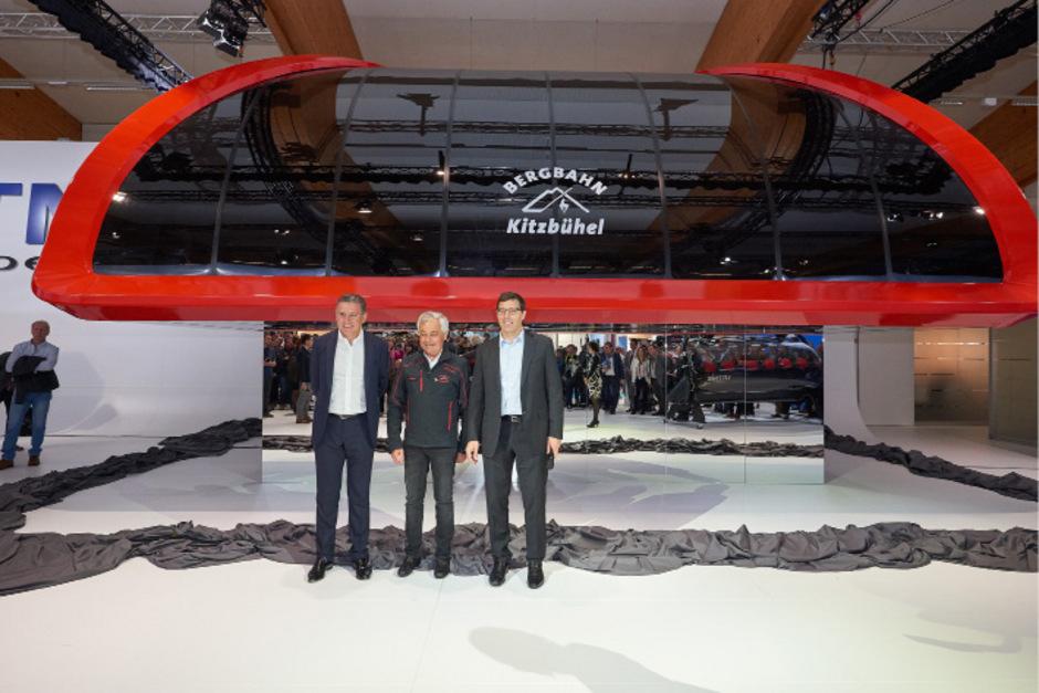 Liftstation vom Ferrari-Designer: Anton Seeber (r.) mit Kitzbühels Bergbahn-Chef Josef Burger und Martin Leitner.