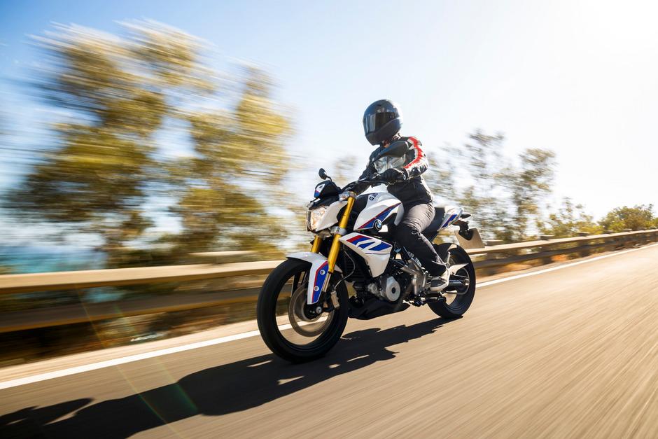 Weniger als ein halber Liter Hubraum: Die G 310 R markiert mit 313 ccm und 34 PS die neue bayerische Motorrad-Einstiegsklasse.
