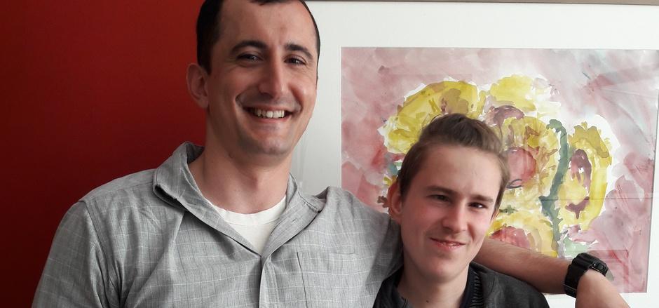 """Christian """"Isy"""" Schröcksnadel (r.) mit seinem persönlichen Arbeitsassistenten Aurel Gjeloshi."""
