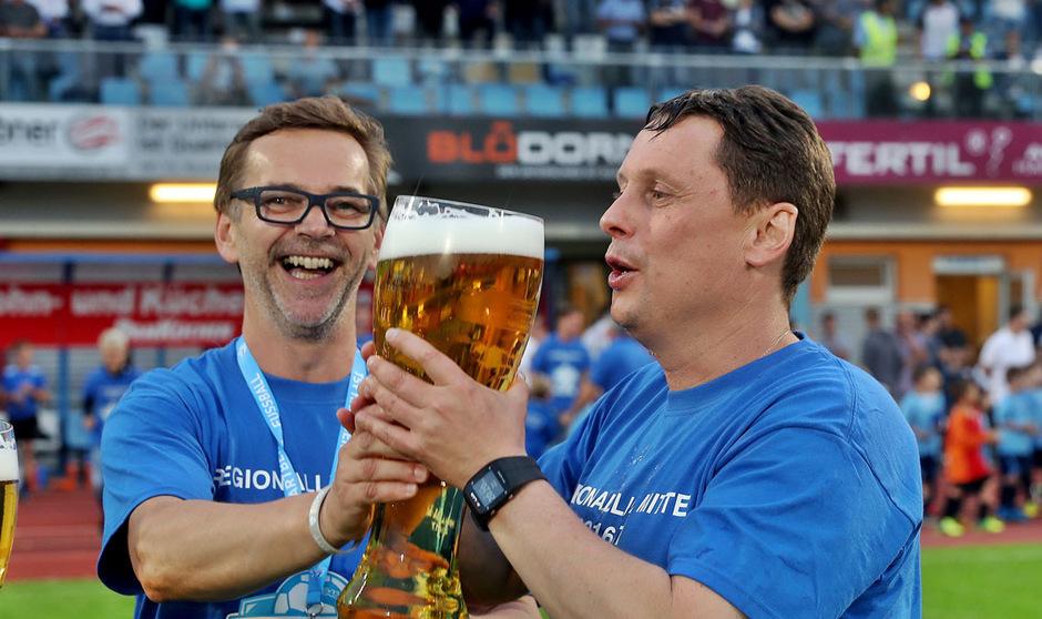 Mit dem Aufstieg verabschiedet sich Cheftrainer Uwe Hölzl vom TSV Hartberg.