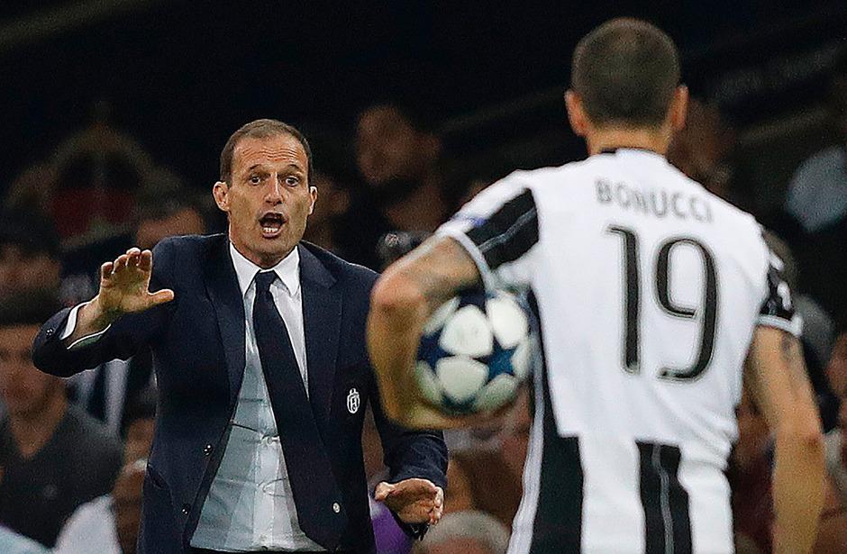 Massimiliano Allegri versuchte seine Juve-Kicker zum Sieg zu dirigieren - ohne Erfolg.