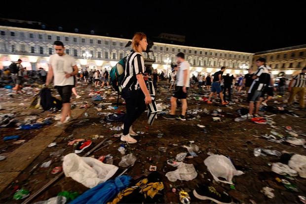 Bei einer Massenpanik am Piazza San Carlo in Turin wurden 1.400 Menschen verletzt.
