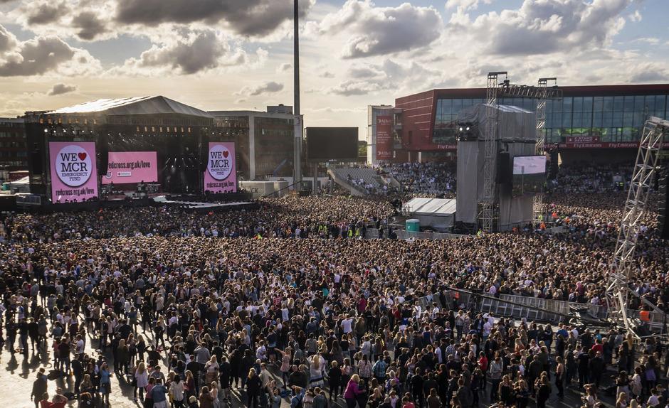 Das Konzert fand vor Zehntausenden Besuchern statt.