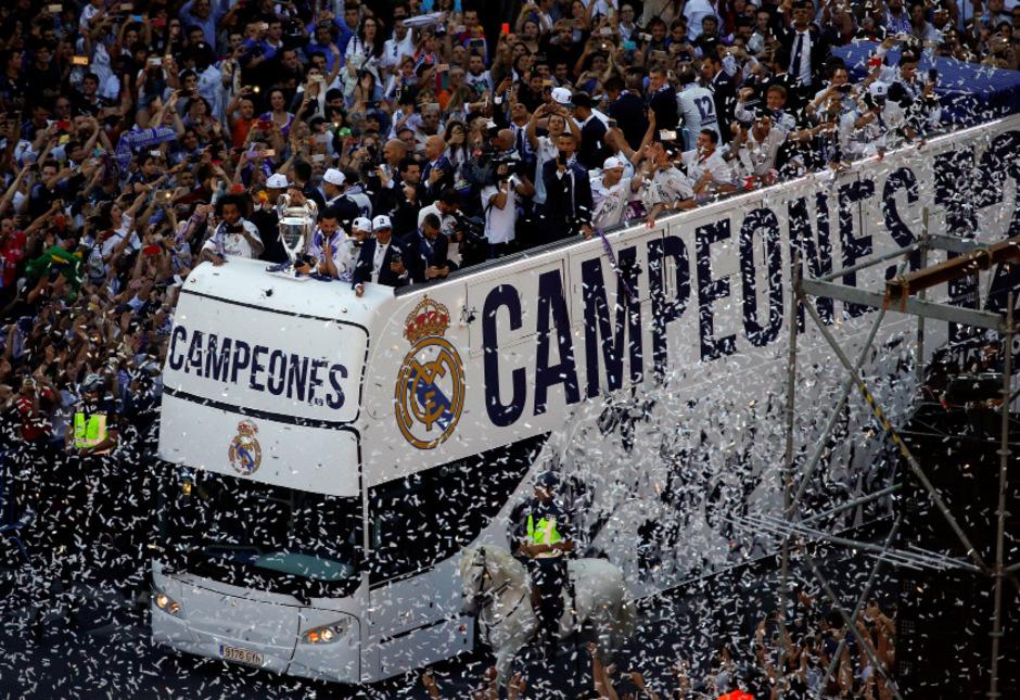 Real Madrid wurde von Zehntausenden Menschen gefeiert.