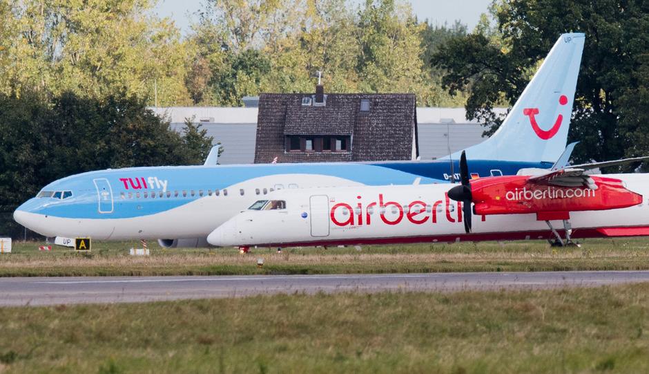 Das Touristikgeschäft von Air Berlin wurde auf die österreichische Tochter Niki verschoben, die in einem Bündnis mit Etihad und dem Ferienflieger Tuifly aufgehen soll.