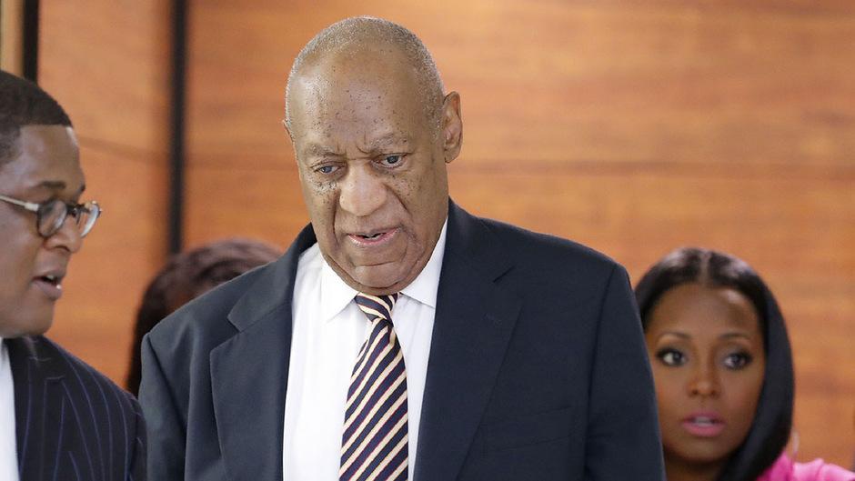 Ein Weltstar auf dem Weg vor Gericht: Bill Cosby (79) am Montag in Norristown.