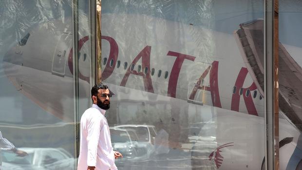 Die weltweit operierende Fluggesellschaft Qatar Airways gerät durch das diplomatische Zerwürfnis am Golf in schwere Turbulenzen.