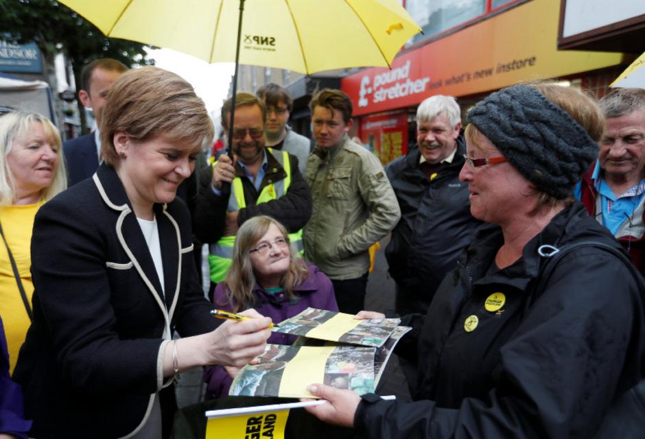 Sturgeon befindet sich derzeit auf Wahlkampf-Tour.