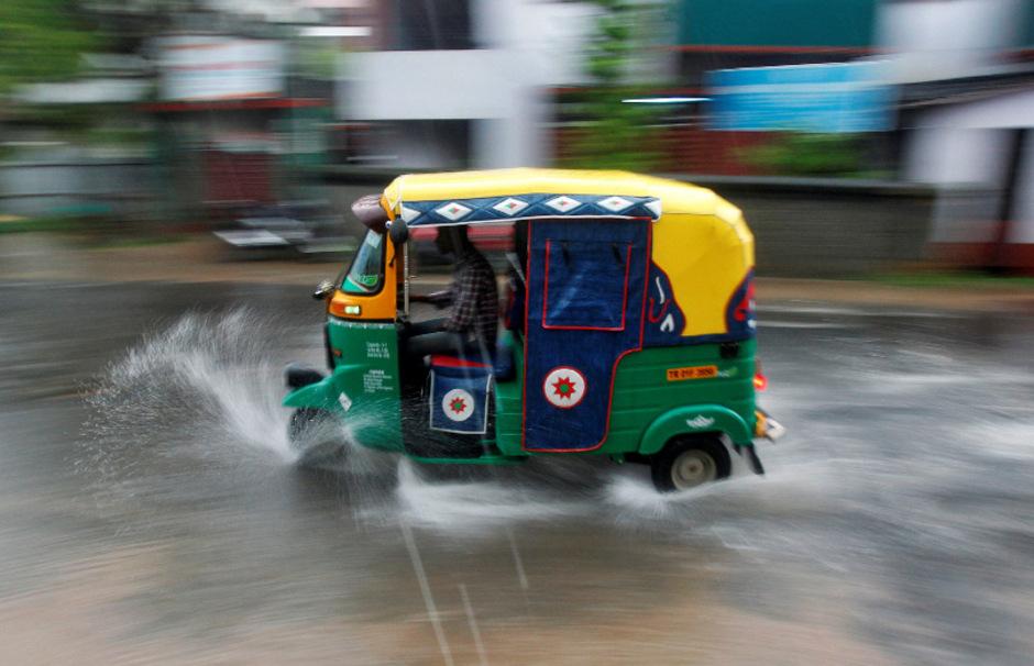 In einem indischen Rikscha-Taxi passierte der Zwischenfall.
