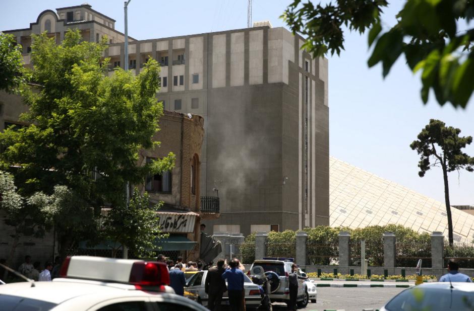 Im Parlament Teherans starben mehrere Menschen.