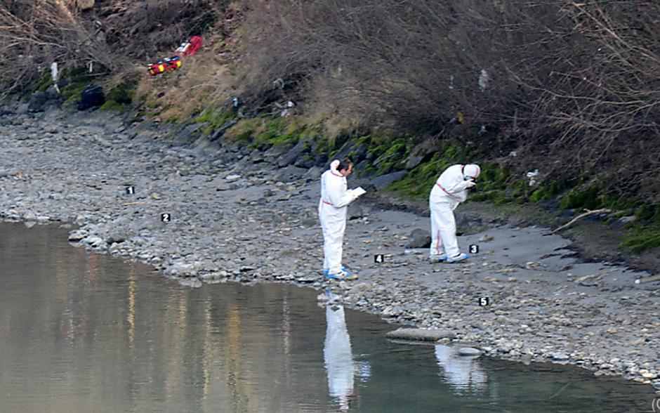 Spurensicherung am Inn: In der Nacht von 11. auf 12. Jänner 2014 wurde die junge Französin Lucile ermordet.