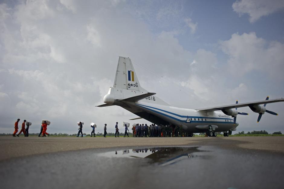 Das Archivfoto zeigt eine Transportmaschine der Armee von Myanmar.