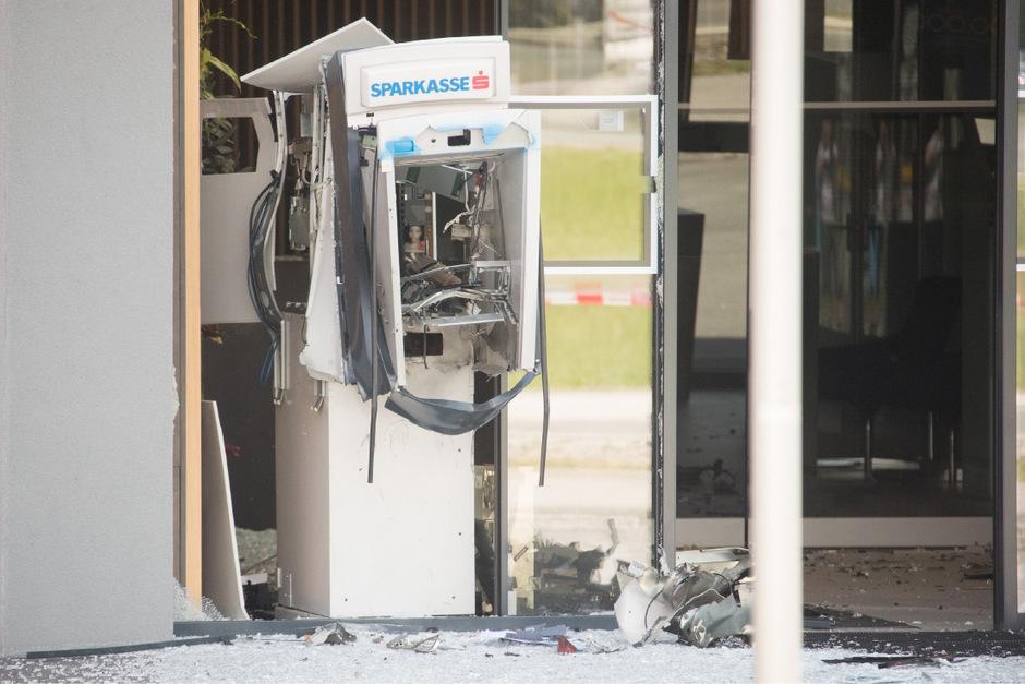 Der Bankomat der Sparkasse in Nußdorf/Debant wurde total zerstört.