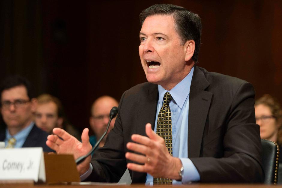 Trump forderte den ehemaligen FBI-Chef James Comey laut dessen Statement vorab der Anhörung auf, die Ermittlungen in der Russland-Affäre gegen Michael Flynn einzustellen.