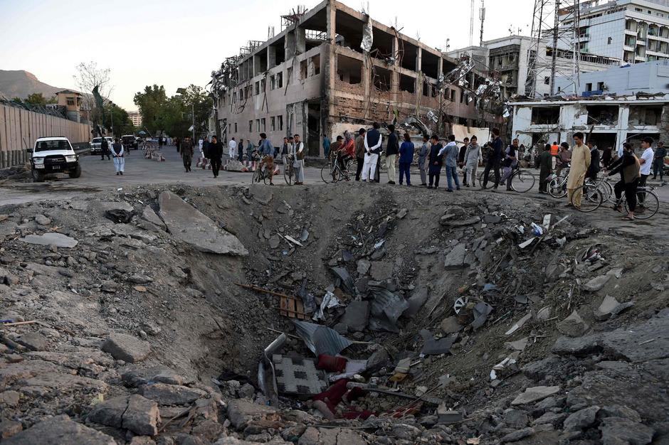 Die Bombe hat massive Zerstörungen angerichtet und 160 Menschen in den Tod gerissen.