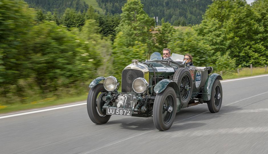 Die 30. Kitzbüheler Alpenrallye stand im Zeichen historischer und moderner Klassiker, darunter Pretiosen wie Bentley Blower und R-Type Continental.